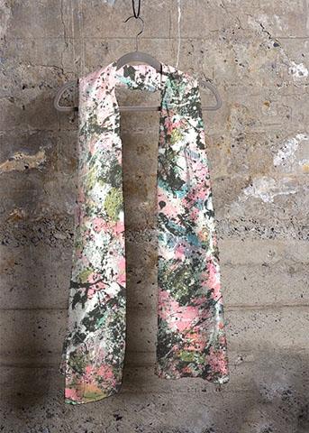 aperato-artiste-peintre-marseille-echarpe-rose-verte-peinture