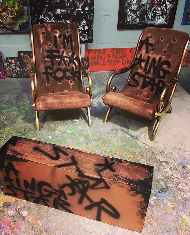 meubles aperato tableaux. Black Bedroom Furniture Sets. Home Design Ideas